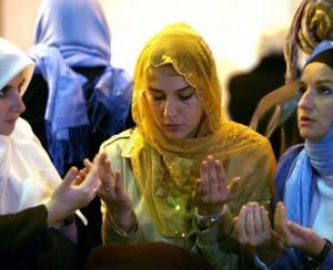 54-bosnian-muslim-women-praying