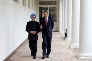 800px-President_Barack_Obama_walking_with_Prime_Minister_Manmohan_Singh_2009-11-24