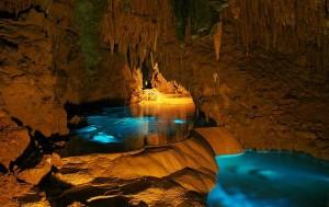 Illuminated-Caves