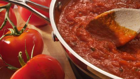 http://healthyeatingforfamilies.com/wp-content/uploads/2012/05/tomatobasilsauce.jpg