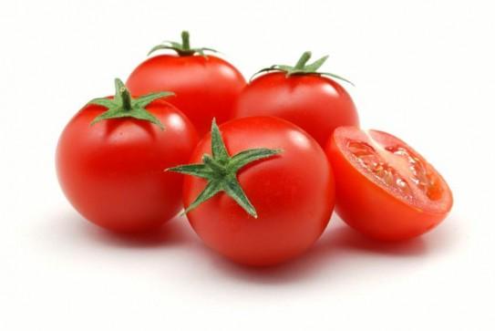 http://greenmylife.wpengine.netdna-cdn.com/wp-content/uploads/2014/09/Macro-Cherry-Tomatoes-Halved-Tomato-iStock.jpg