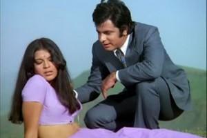 Zeenat-Aman-Sanjay-Khan-560x374