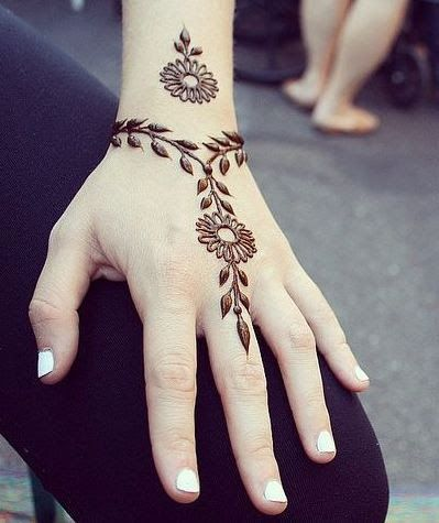 Hand Ornament Mehendi Design